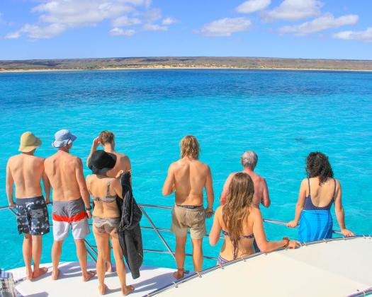 Guests on tour with Kings Ningaloo Reef Tours, Western Australia
